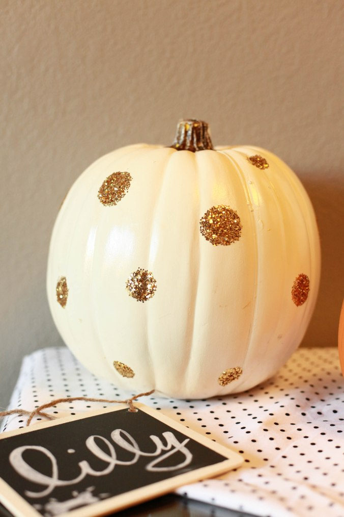 DIY polka dot pumpkin